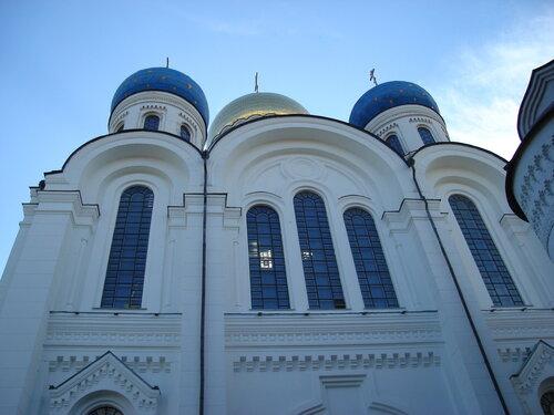 Преображенский собор Николо-Угрешского монастыря.