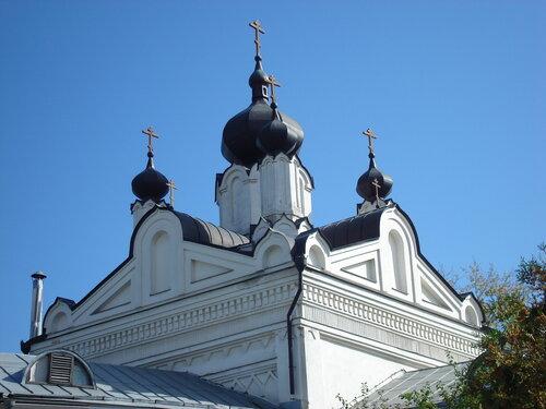 Казанский храм Николо-Угрешского монастыря.