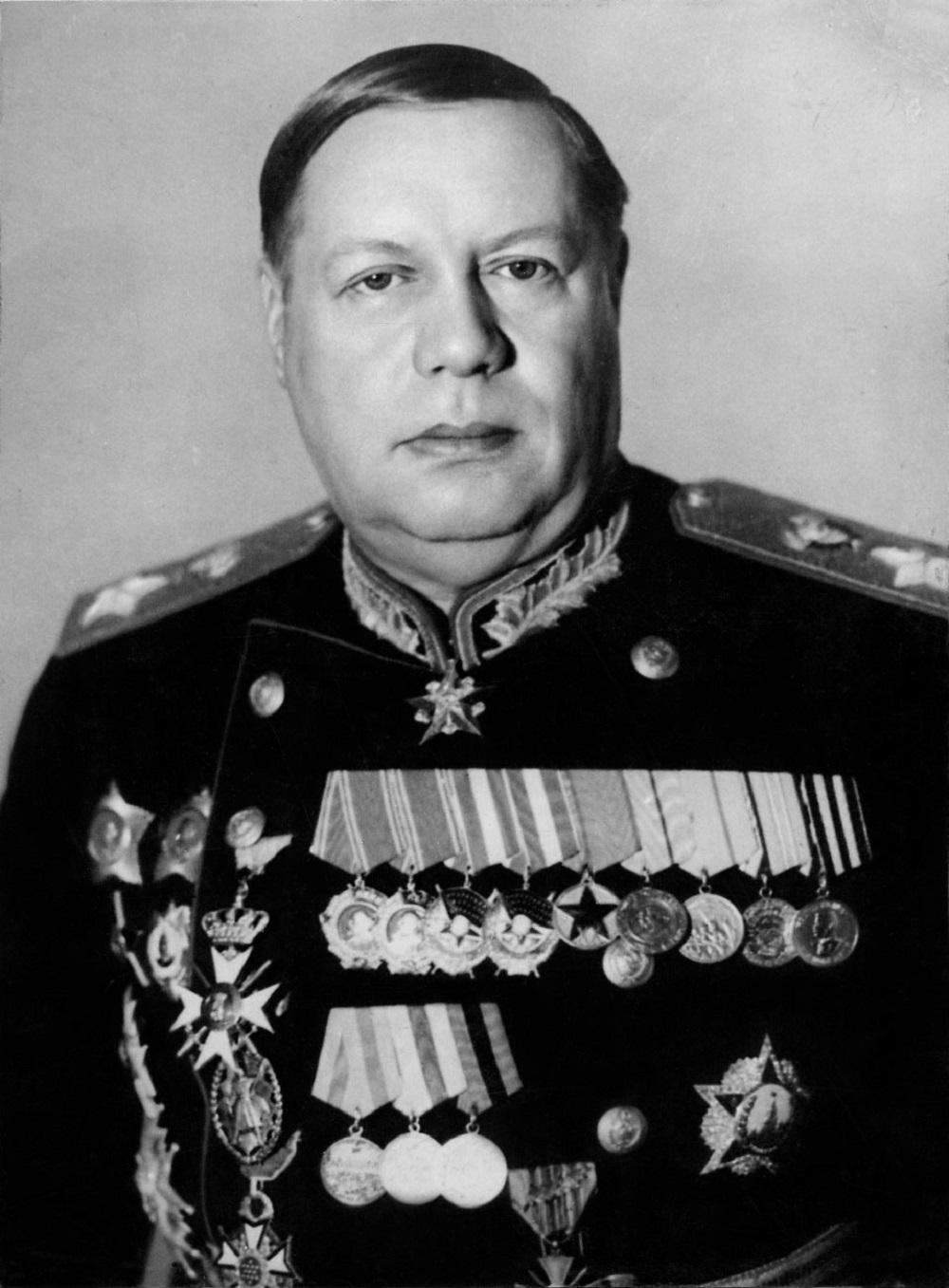 17-6 Парадный портрет Маршала Советского Союза Ф.И. Толбухина.jpg
