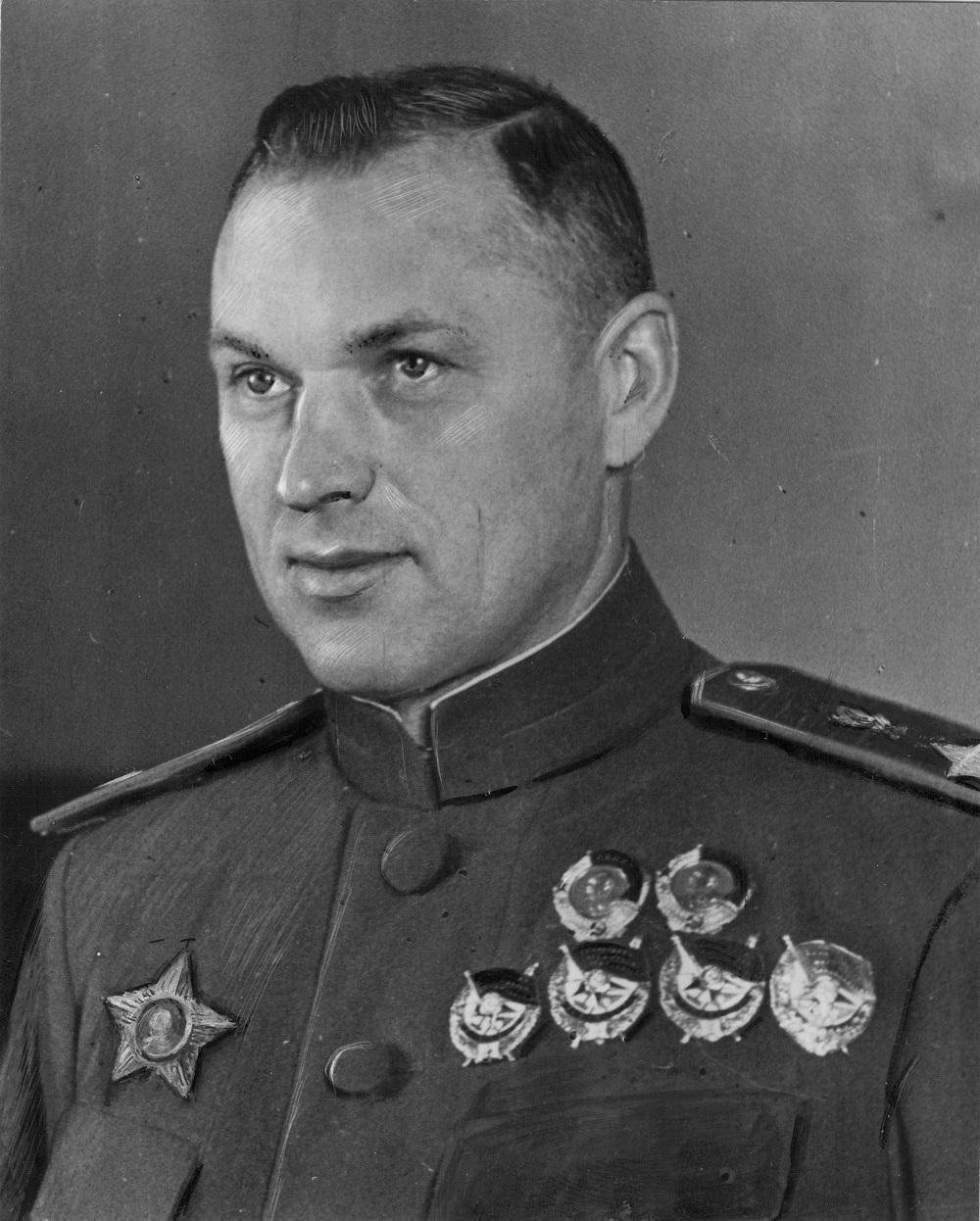 Маршал Советского Союза К.К. Рокоссовский, 1944 год.jpg