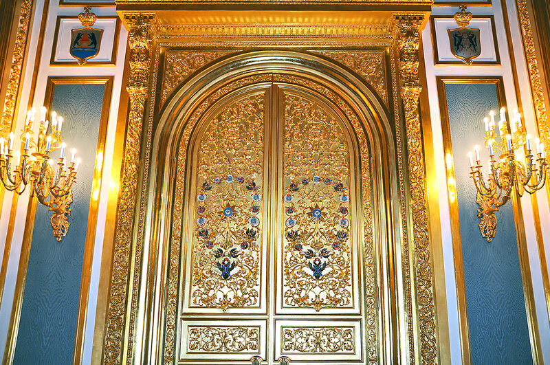 Картинки золотые двери