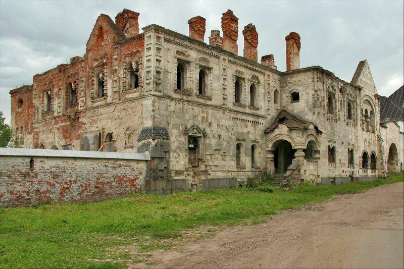 Дом священнников (Белокаменная палата) Федоровского городка