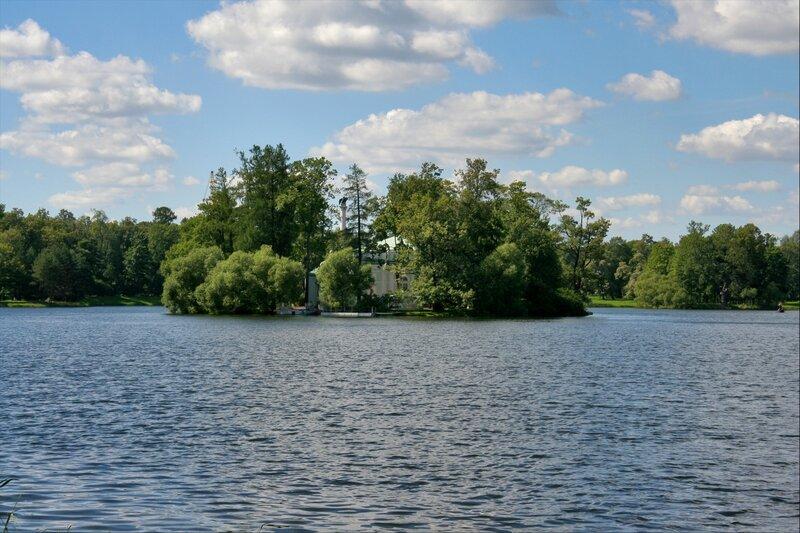 Екатерининский парк, Большой пруд и остров