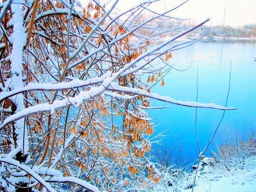 На землю тихо опустилась зима, зима……
