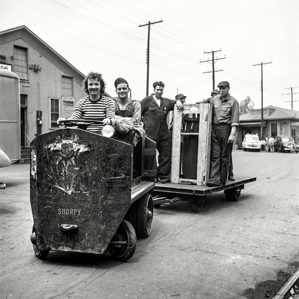 Специализированные транспортные средства начала 20-го века на снимках американских фотографов (71)