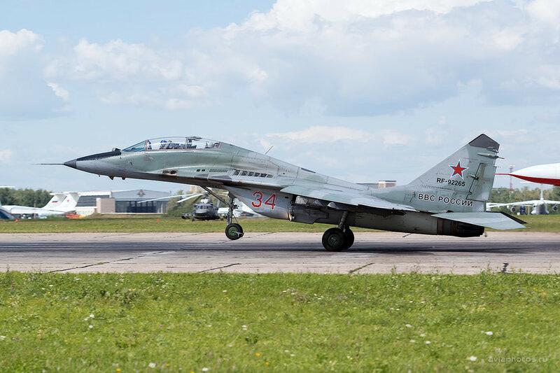 Микоян-Гуревич МиГ-29УБ (RF-92265 / 34 красный) D800280