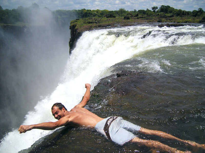 водопад Виктория, бассейн дьавола