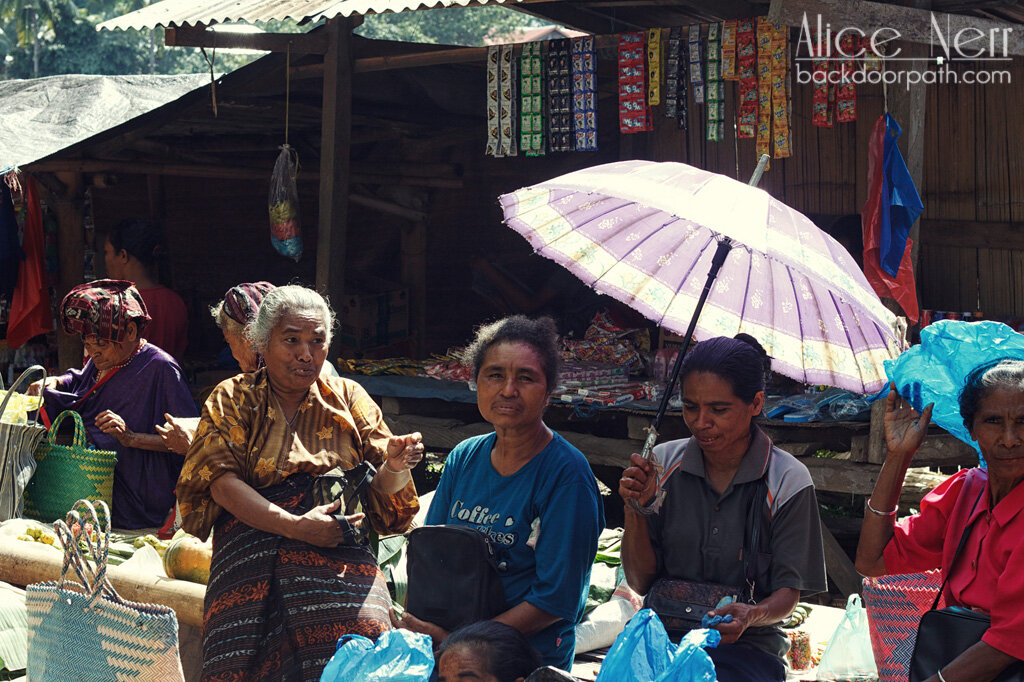 more Indonesian old ladies