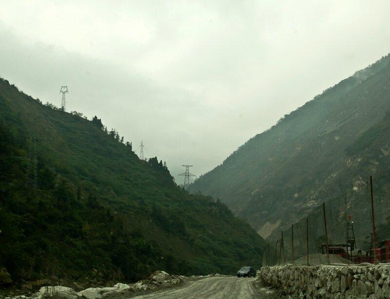 Трудная дорога в горах