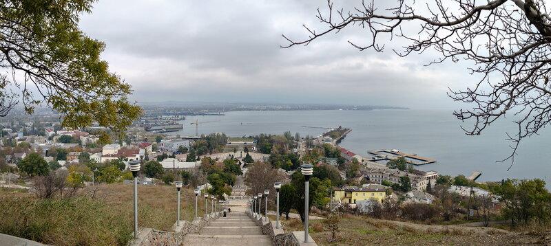 20121116 Вид с Большой Митридатской лестницы на центр города