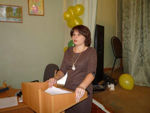 Ведущий специалист отдела образования Сандовского района Л. М. Королева