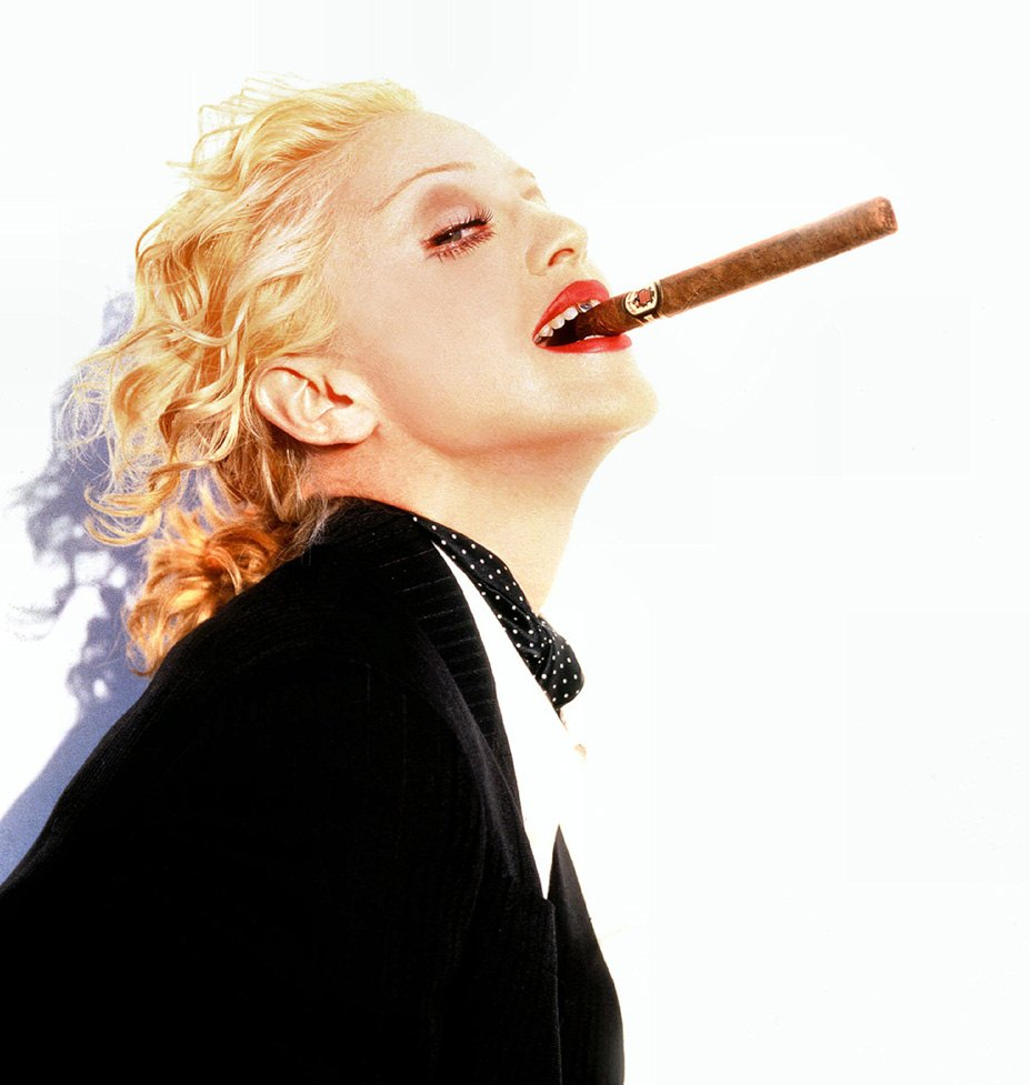 smoking Madonna / Мадонна с сигаретой