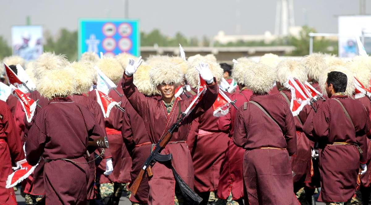 К 35-летию с момента начала ирано-иракской войны: Военный парад в Тегеране (9)
