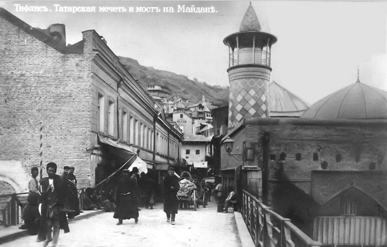 Майданский мост и Татарская мечеть