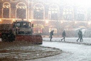 Москву засыпает снегом — штормовое предупреждение