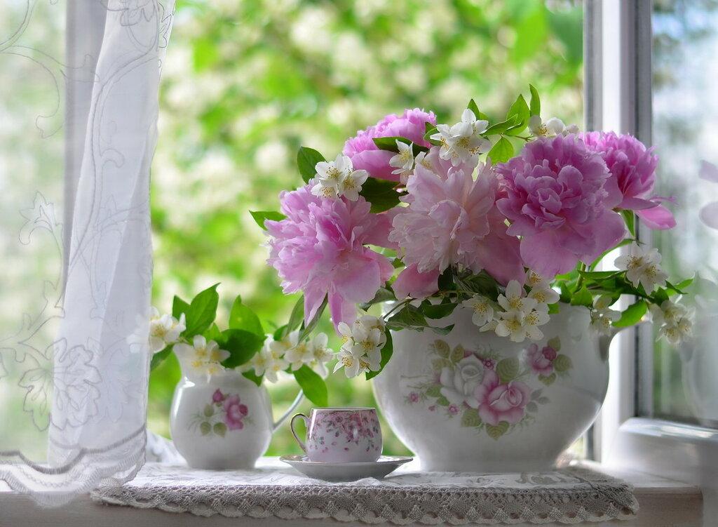 Я в весеннем саду надышался цветов