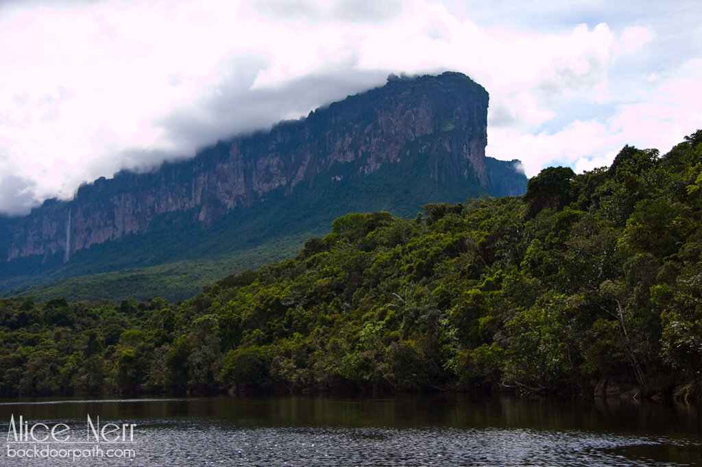 on the way to Canaima