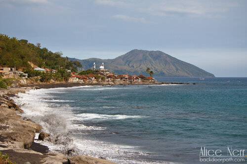 близ Энде, остров Флорес, Индонезия