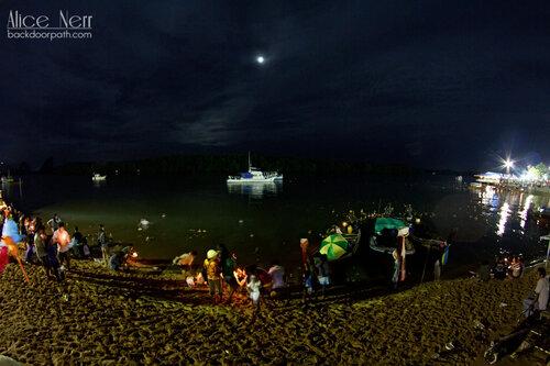набережная реки в Краби-тауне, loy kratong
