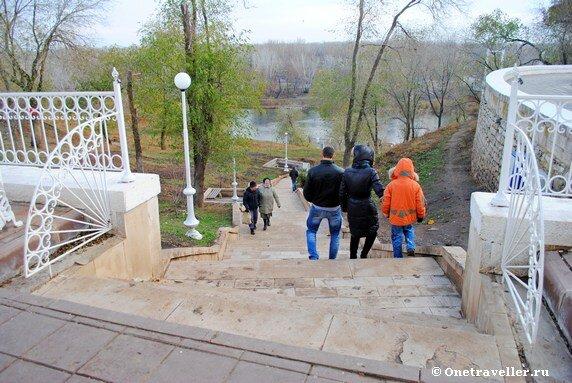 Спуск к реке Урал в Оренбурге