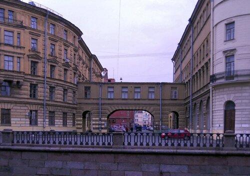 Банковский переулок со стороны канала Грибоедова