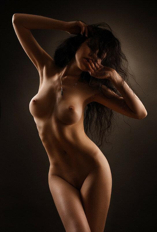 krasivoe-zhenskoe-telo-fotografii-goloe-zhena-sterva-lyubit-seks-s-neznakomimi-lyudmi