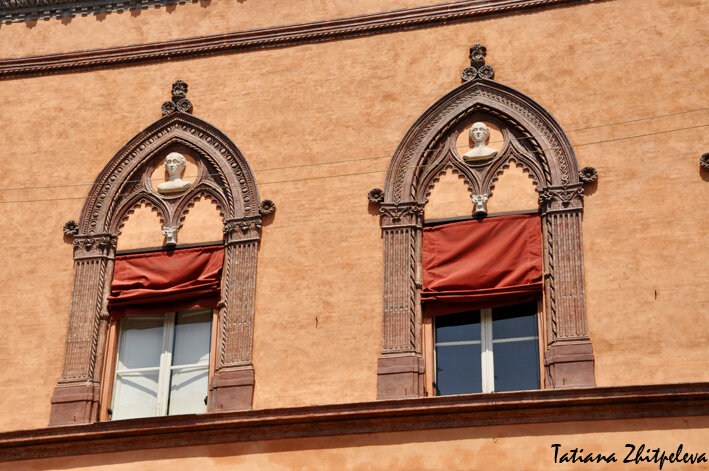 окна Болоньи