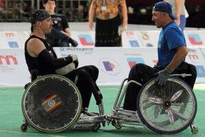 Приостановим судебные тяжбы с МПК, а они потом опять откажут нашим паралимпийцам в Играх-2018...