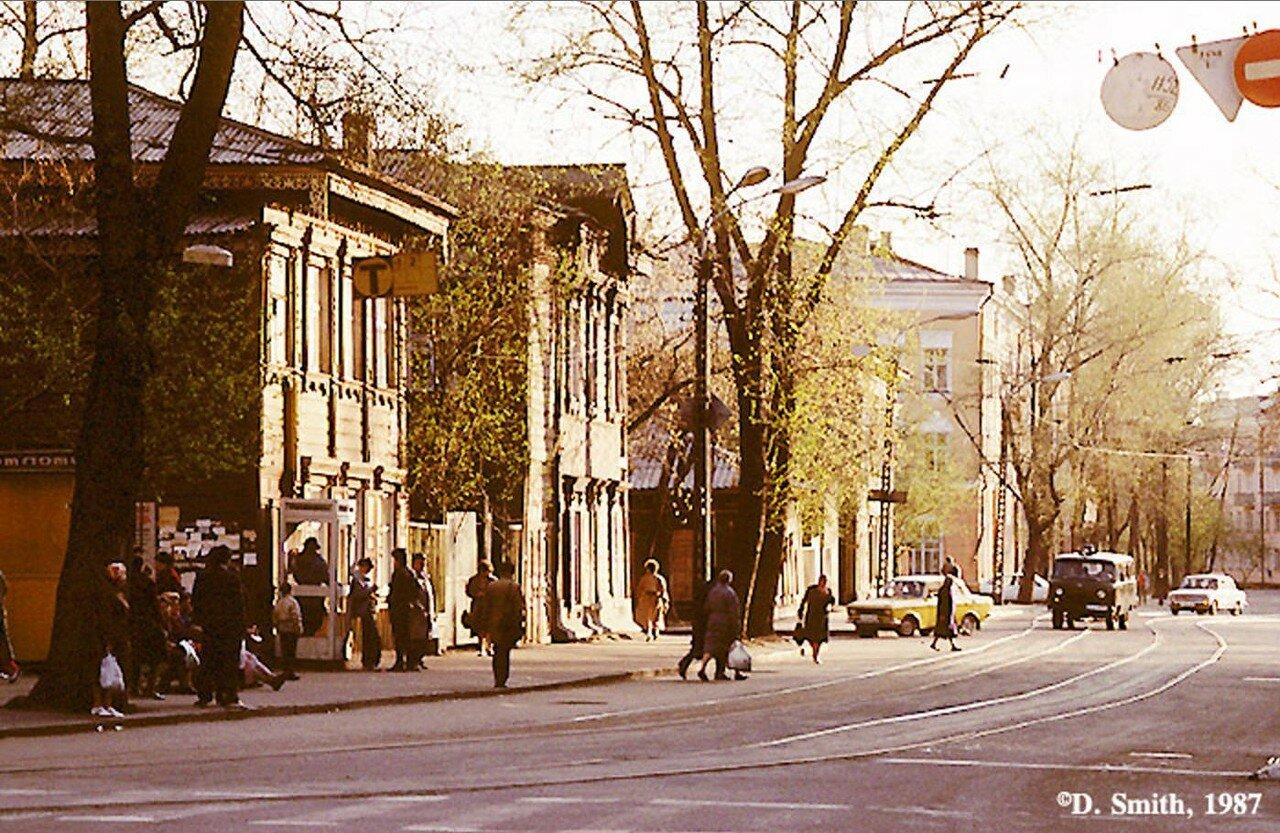 Угол улиц Ленина и Горького