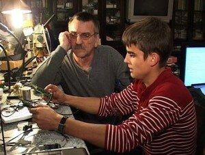 Школьник разработал трость с GPS для слабовидящих