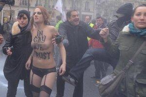 FEMEN вызвала негодование у «кровожадных католиков»