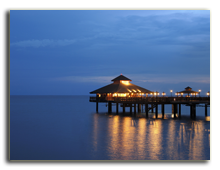 Малайзия. Лангкави. BerjayaLangkawi_Pahn-Thai_Restaurant_-_Facade_Against_Night_Sky