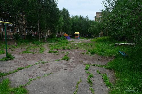 Фото города Инта №8082  Двор Воркутинской 2 02.07.2015_17:13