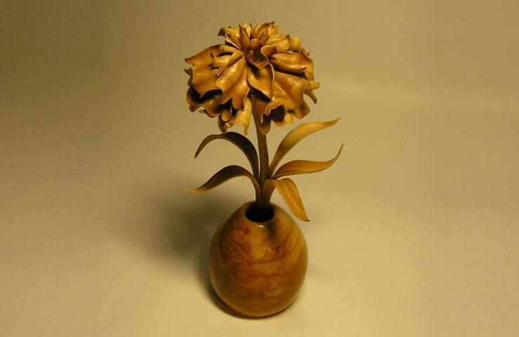 Резьба по дереву. Восхитительные деревянные цветы Владимира Налимова