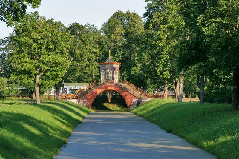Крестовый мост в Новом саду Александровского парка