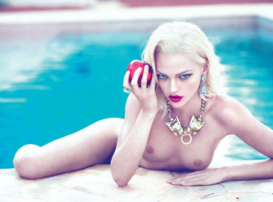 модель Sasha Pivovarova / Саша Пивоварова, фотографы Mert & Marcus / Эротика в Vogue, Россия спецвыпуск ноябрь 2012