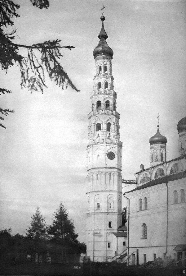 Колокольня Иосифо-Волоцкого монастыря