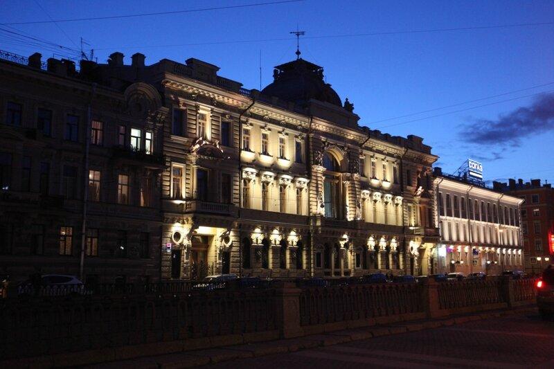 Старинные здания Санкт-Петербурга