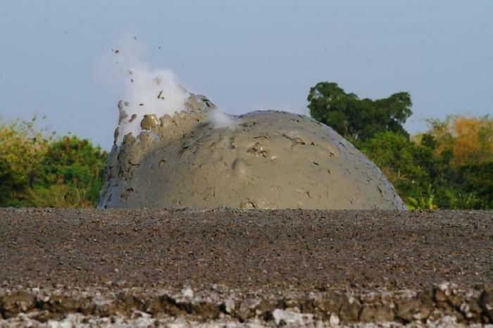Фотографии грязевого взрыва