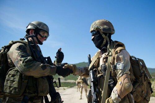 Учения спецподразделений Франции и Саудовской Аравии - Тигр 2