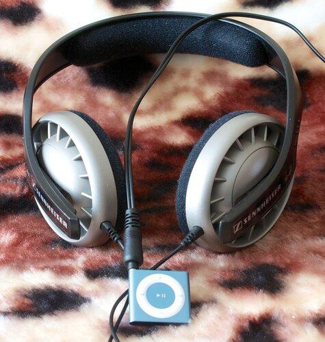 iPod Shuffle и Sennheiser HD 408