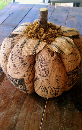 тыквы винтажные, Красивые текстильные тыквы: мастер-классы и идеи, Hallows' Eve, All Saints' Eve, на Хэллоуин, тыквы, тыквы текстильные, тыквы из ткани, тыквы для интерьера, тыквы текстильные, тыквы на Хэллоуин, тыквы своими руками, своими руками, интерьерный декор, декор на Хэллоуин, мастер-классы, Хэллоуин, идеи текстильных тыкв, фотоидеи, праздничный декор, День Благодарения, Праздник урожая, украшение интерьера тыквами, Красивые текстильные тыквы: мастер-классы и идеи, http://prazdnichnymir.ru/Винтажные тыквы из ткани на Хэллоуин своими руками