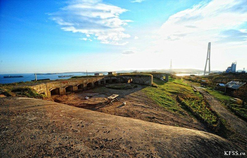 Петропавловская мортирная батарея Владивостокской крепости бруствер и дворики