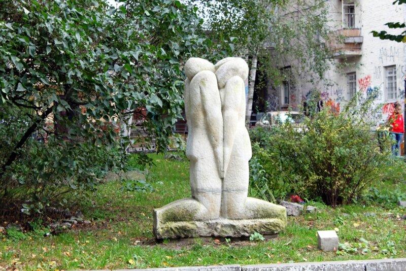 Скульптура на Пейзажной аллее