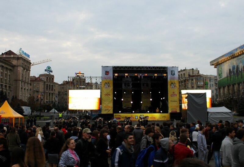 Сцена Жовтень Fest