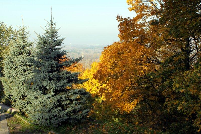 Склон Хрещатого парка осенью