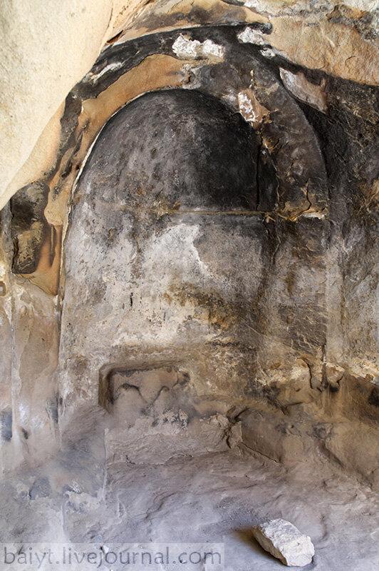 Алтарь древнейшей христианской базилики в Уплисцихе