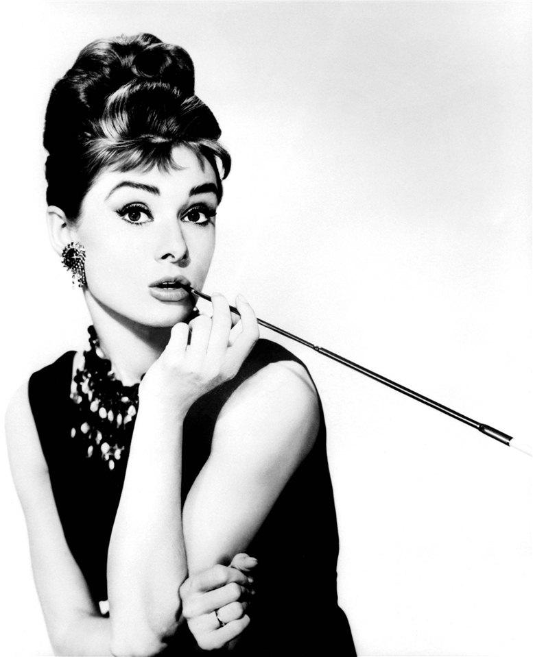 smoking Audrey Hepburn / Одри Хепберн с сигаретой
