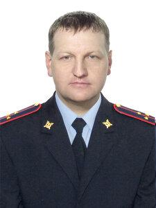 Сотрудник ГИБДД  в Приморье спас людей из горящего дома