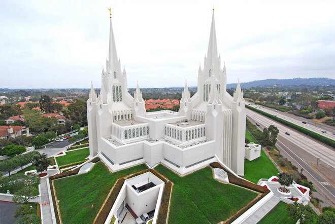 Калифорнийский храм мормонов (San Diego California Mormon Temple). США